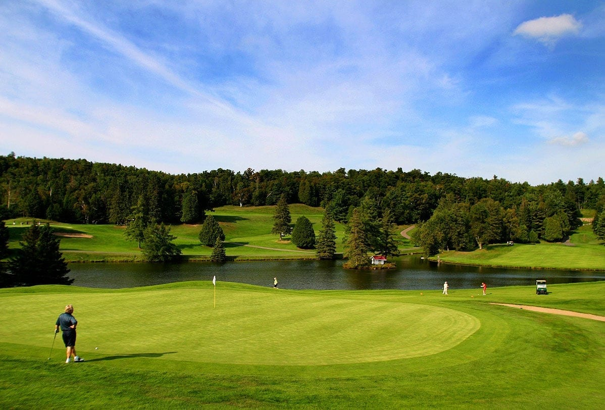 Hotel Lac Carling club de golf Resort Laurentides photo green